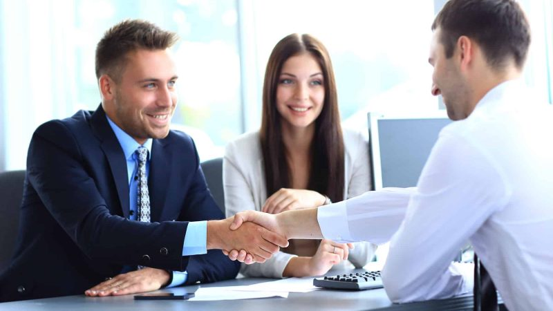How does an Injury Lawyer Handles the Claim against Insurance Company Lawyers