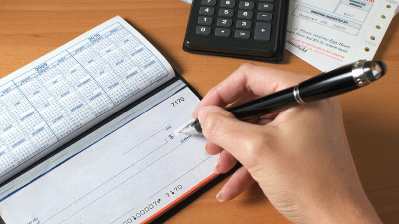 How Long Can You Keep Personal Checks Without Cashing