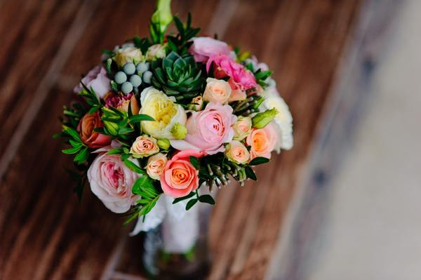 CREATE WONDERFUL MEMORIES FOR YOUR LOVED ONES BY SENDING GORGEOUS FLOWERS