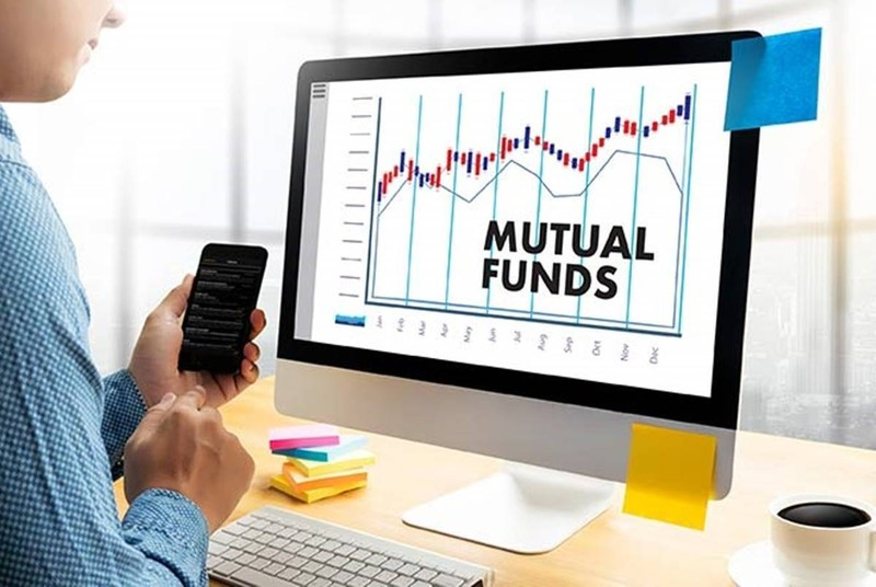 Who can invest in mutual funds?