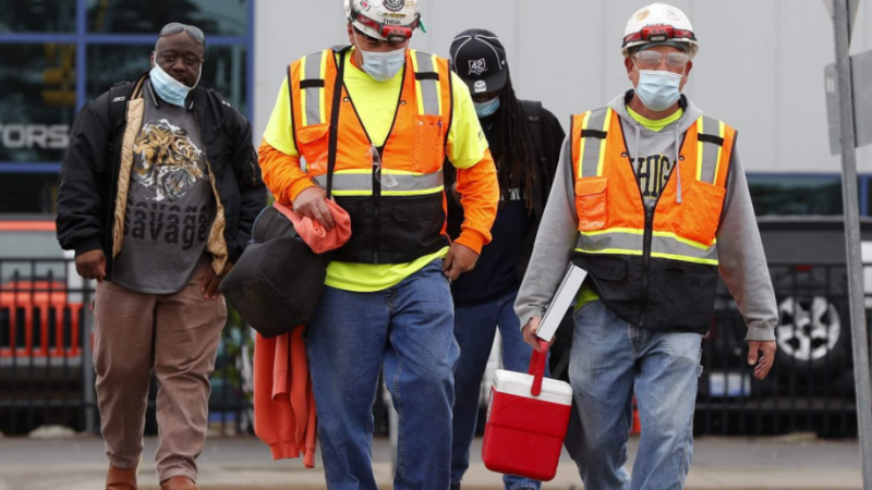 An Unreliable Network Compromises Worker Safety